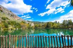 Λίμνη Zaros στην άνοιξη, Κρήτη Στοκ εικόνα με δικαίωμα ελεύθερης χρήσης