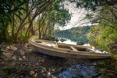 Λίμνη Zaros στην άνοιξη, Κρήτη Στοκ εικόνες με δικαίωμα ελεύθερης χρήσης