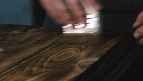 Λαβές πινάκων ξυλουργών Κινηματογράφηση σε πρώτο πλάνο απόθεμα βίντεο
