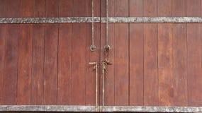 Λαβές πορτών και μπουλόνι πορτών για το υπόβαθρο Στοκ Εικόνα