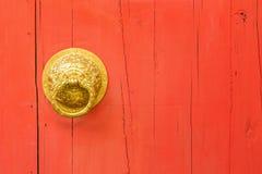 Λαβή και ρόπτρα πορτών ορείχαλκου Στοκ φωτογραφία με δικαίωμα ελεύθερης χρήσης