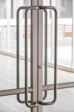 Λαβή πορτών γυαλιού Στοκ φωτογραφίες με δικαίωμα ελεύθερης χρήσης