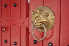 Λαβή πορτών παραδοσιακού κινέζικου Στοκ Φωτογραφίες