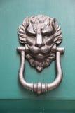 Λαβή πορτών υπό μορφή λιονταριού Στοκ Εικόνα