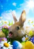 Λαγουδάκι Πάσχας τέχνης, αυγά Πάσχας και λουλούδι άνοιξη Στοκ Φωτογραφία
