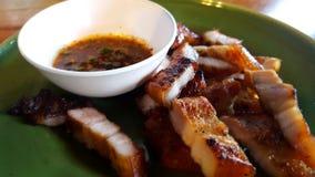 Λαιμός χοιρινού κρέατος και βυθίζοντας σάλτσα στοκ φωτογραφία με δικαίωμα ελεύθερης χρήσης