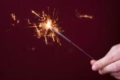 λαμπιρίζοντας ραβδιά πυρ&kap Στοκ Φωτογραφίες