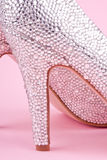 Λαμπρά υψηλά παπούτσια τακουνιών με τα rhinestones Στοκ Εικόνα