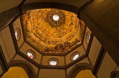 Λαμπρές καλλιτεχνικές λεπτομέρειες σε έναν θόλο του καθεδρικού ναού της Σάντα Μαρία del Fiore στη Φλωρεντία, Τοσκάνη Στοκ Εικόνες
