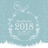 Λαμπρή σφαίρα Χριστουγέννων για τη Χαρούμενα Χριστούγεννα 2018 και το νέο έτος στο όμορφο υπόβαθρο με το φως, αστέρια, snowflakes Στοκ φωτογραφία με δικαίωμα ελεύθερης χρήσης