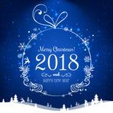Λαμπρή σφαίρα Χριστουγέννων για τη Χαρούμενα Χριστούγεννα 2018 και το νέο έτος στο μπλε υπόβαθρο με το φως, αστέρια, snowflakes π Στοκ φωτογραφία με δικαίωμα ελεύθερης χρήσης
