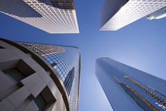 λαμπροί ουρανοξύστες στοκ φωτογραφίες