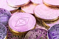 Λαμπρός σωρός νομισμάτων Ethereum Cyberpunk Στοκ Εικόνες