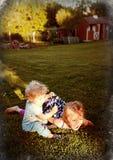 Λαμπρότητα στη χλόη Στοκ φωτογραφία με δικαίωμα ελεύθερης χρήσης