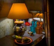 Λαμπτήρας, λαμπτήρας, αχλάδια βασική ζωή ακόμα Στοκ εικόνες με δικαίωμα ελεύθερης χρήσης