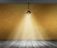 Λαμπτήρας στο κενό δωμάτιο με τον τοίχο και το ξύλινο εσωτερικό υπόβαθρο πατωμάτων Στοκ Φωτογραφία