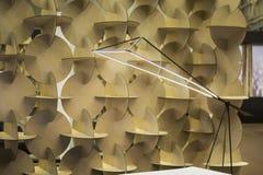 Λαμπτήρας των ειδικών οδηγήσεων σχεδιαστών, ελαφρύς λαμπτήρας πατωμάτων μετάλλων λεπτός μαύρος Λαμπτήρας για τους αρχιτέκτονες κα στοκ φωτογραφίες