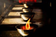 Λαμπτήρες για το θυμίαμα καψίματος σε έναν κινεζικό ναό Στοκ εικόνα με δικαίωμα ελεύθερης χρήσης