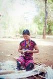ΛΑΟΣ, BOLAVEN ΣΤΙΣ 12 ΦΕΒΡΟΥΑΡΊΟΥ 2014: Μη αναγνωρισμένες γυναίκες φυλών Alak στο β Στοκ φωτογραφία με δικαίωμα ελεύθερης χρήσης