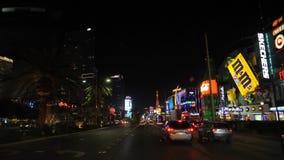 Λας Βέγκας, 07.2017 ΗΠΑ-Νοεμβρίου: Κυκλοφορία στη χαρτοπαικτική λέσχη λεωφόρων τη νύχτα απόθεμα βίντεο
