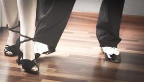 Λατινικοί χορευτές χορού αιθουσών χορού Στοκ Εικόνες
