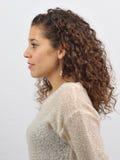 Λατινικό κορίτσι που ντύνεται επάνω Στοκ Εικόνες