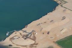 Λατομείο άμμου, που πλημμυρίζουν μερικώς Στοκ εικόνα με δικαίωμα ελεύθερης χρήσης