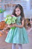 λατρευτά μικρά τριαντάφυλλα κοριτσιών Στοκ φωτογραφίες με δικαίωμα ελεύθερης χρήσης