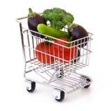 λαχανικά αγορών κάρρων Στοκ εικόνα με δικαίωμα ελεύθερης χρήσης