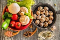 Λαχανικά, αυγά και μανιτάρια τρόφιμα αγροτικά Στοκ Φωτογραφία