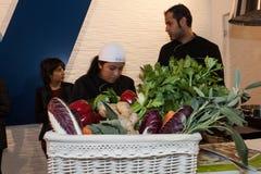 Λαχανικά και άνθρωποι σε Golosaria 2013 στο Μιλάνο, Ιταλία Στοκ φωτογραφία με δικαίωμα ελεύθερης χρήσης