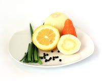 Λαχανικά και λεμόνι. Στοκ φωτογραφία με δικαίωμα ελεύθερης χρήσης