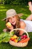 λαχανικά καρπού καλαθιών στοκ εικόνα