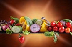 Λαχανικά με το μαρούλι, το arugula και το σπανάκι Στοκ φωτογραφία με δικαίωμα ελεύθερης χρήσης