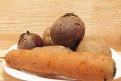 Λαχανικά που μαγειρεύονται για την προετοιμασία σαλάτας Στοκ Εικόνες
