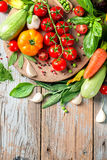 Λαχανικά που τίθενται θερινά για το μαγείρεμα Στοκ εικόνες με δικαίωμα ελεύθερης χρήσης