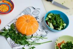 Λαχανικά σε έναν άσπρο πίνακα Στοκ φωτογραφία με δικαίωμα ελεύθερης χρήσης