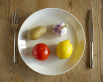 Λαχανικά σε ένα πιάτο Στοκ φωτογραφία με δικαίωμα ελεύθερης χρήσης