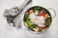 λαχανικά σούπας κοτόπουλου στοκ εικόνες