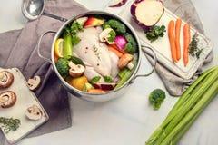 λαχανικά σούπας κοτόπουλου στοκ φωτογραφία με δικαίωμα ελεύθερης χρήσης