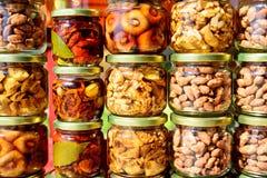 Λαχανικά στα βάζα γυαλιού Στοκ εικόνες με δικαίωμα ελεύθερης χρήσης