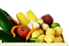 Λαχανικά στα ξύλινα κλουβιά Στοκ Φωτογραφία