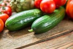 Λαχανικά στο ξύλινο υπόβαθρο Στοκ Φωτογραφία