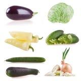 Λαχανικά συλλογής που απομονώνονται στο άσπρο υπόβαθρο, πιπέρια, μελιτζάνα, αγγούρι, κολοκύθια, πράσο, κρεμμύδι, ντομάτα, μαρούλι Στοκ Φωτογραφίες