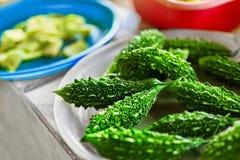 Λαχανικά τρόφιμα υγιή Ασιατική πικρή κολοκύθα (πεπόνι) στην αγορά Στοκ Εικόνα