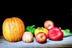 Λαχανικά, χορτάρια και φρούτα Στοκ εικόνα με δικαίωμα ελεύθερης χρήσης