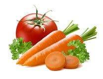 Λαχανικό κομματιών καρότων ντοματών που απομονώνεται στο άσπρο υπόβαθρο Στοκ Εικόνες