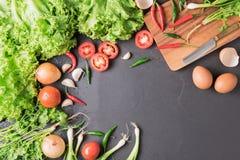Λαχανικό μιγμάτων με το διάστημα αντιγράφων στο μαύρο bcakground Στοκ εικόνες με δικαίωμα ελεύθερης χρήσης