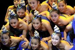 Λαϊκά χορεύοντας κορίτσια Στοκ Εικόνες