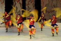 λαϊκή απόδοση χορού Στοκ εικόνες με δικαίωμα ελεύθερης χρήσης
